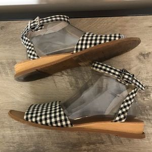 KENNETH COLE Reaction GINGHAM Check SUMMER SANDALS